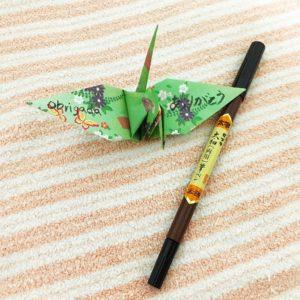 折り紙と筆ペン