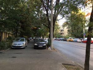 歩道の駐車