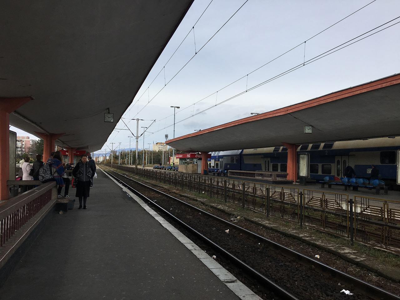 ブラショフの駅のホーム