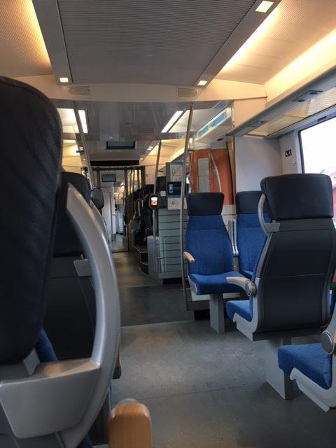 ヨーテボリからクングスバッカの電車