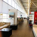 ブカレストのアンリ・コアンダ空港のビジネスラウンジ