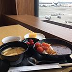 【体験レポート】JALプレミアムエコノミークラスと空港ラウンジ